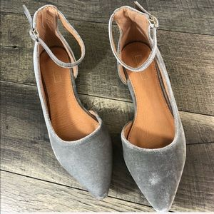 Shoes - Gray Pointed ankle strap flats